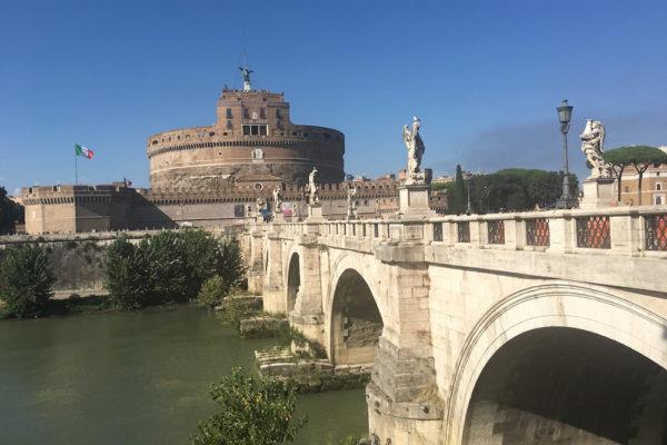 サンタンジェロ城と天使たち