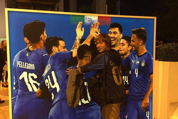 イタリア代表選手とともに